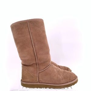 UGG Women's Winter Boots Size 9
